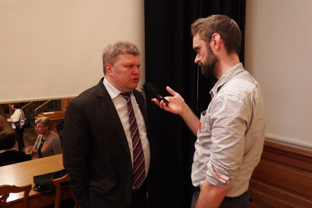 Intet nyt fra vestfronten interviewer daværende formand for Jabloko ved Dansk-russisk forenings 26. ruslandskonference. Foto: Anders Skærlund Petersen.