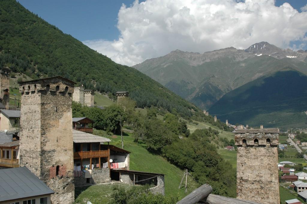 Forråds- og forsvarstårne i Mestia i Svaneti-regionen, Georgien. Foto: Jesper Hasseriis Gormsen