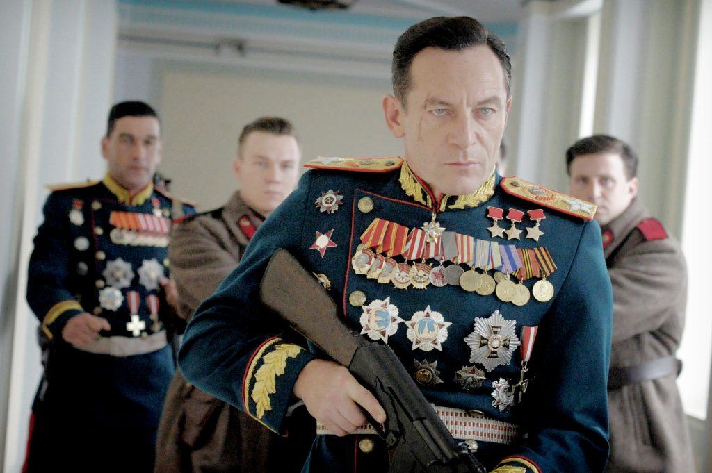 Jason Isaacs som den bryske general Sjukov i komedien Stalins død. Foto: Camera Film.